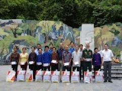 Kim Tín tri ân các gia đình có công với Cách mạng nhân dịp 27.7.2017