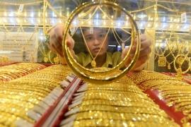 Bản tin thị trường vàng sáng 4.6: Vàng bất ngờ quay đầu giảm giá