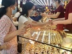 Bản tin thị trường vàng sáng 17.9: Vàng bất ngờ sụt giảm sâu